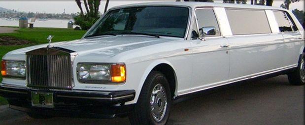 Rolls Royce Limo >> Jay Leno Owns 14 Million Rolls Royce And More Therichest Com