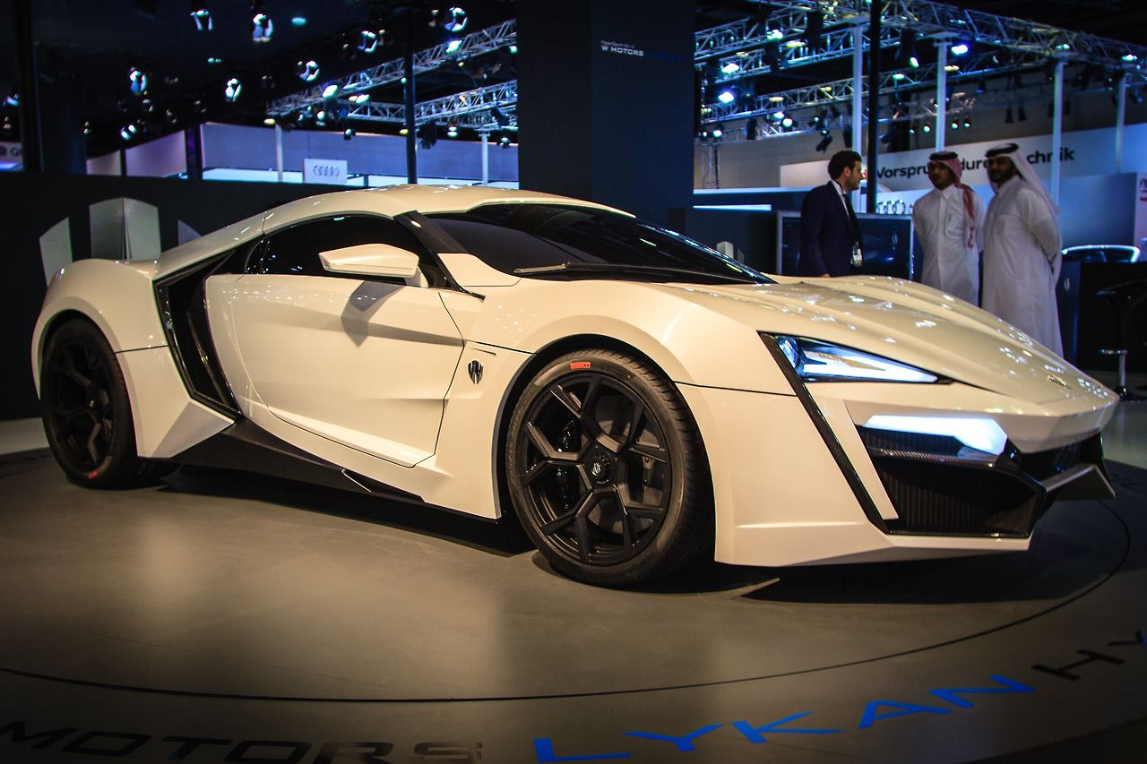 2013-W-Motors-Lykan-Hypersport-Front-Side