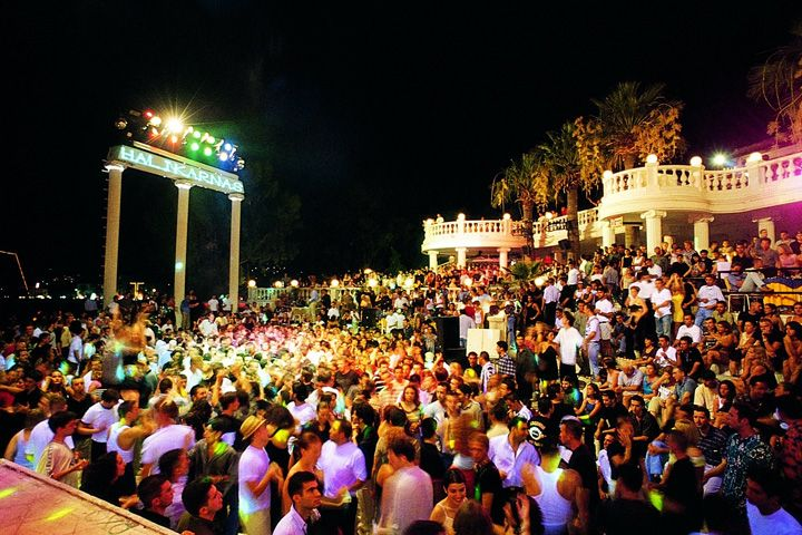 618 Top 10 Nightclubs Around The World You Must See