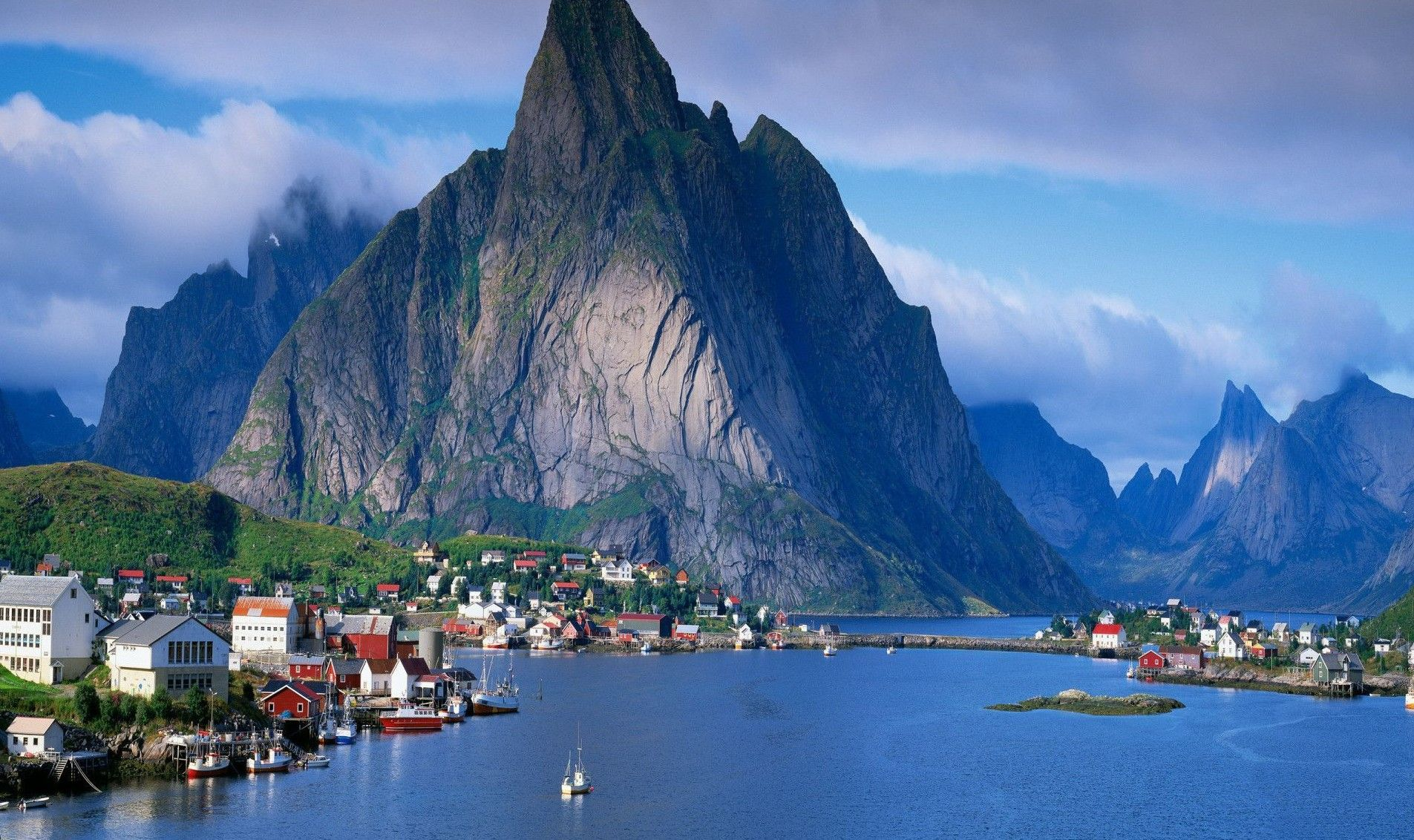 11229-village-in-sognefjord-norway-1920x1200-world-wallpaper
