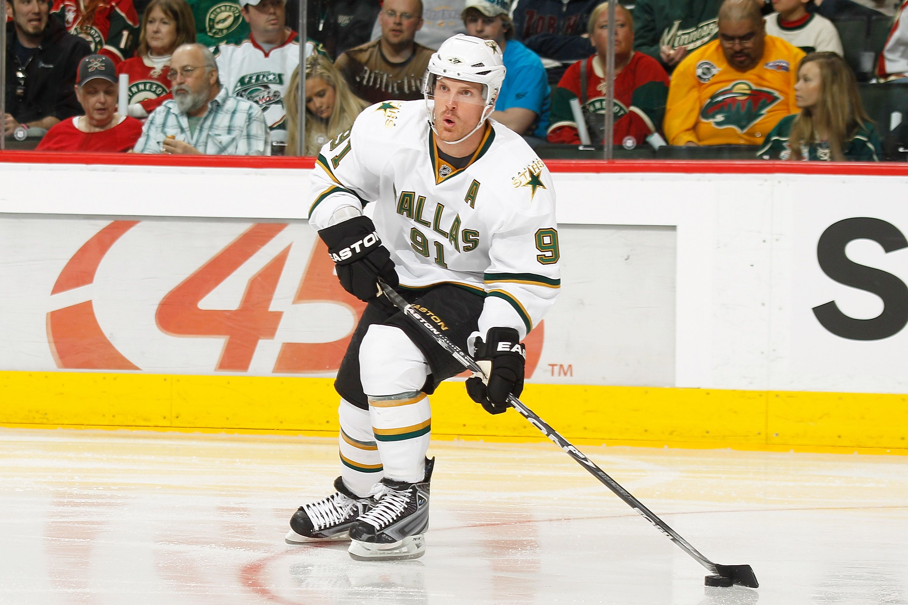 6.Stars receive Brad Richards and Johan Holmqvist from Lightning for Mike Smith, Jussi Jokinen, Jeff Halpern and a fourth-round draft pick