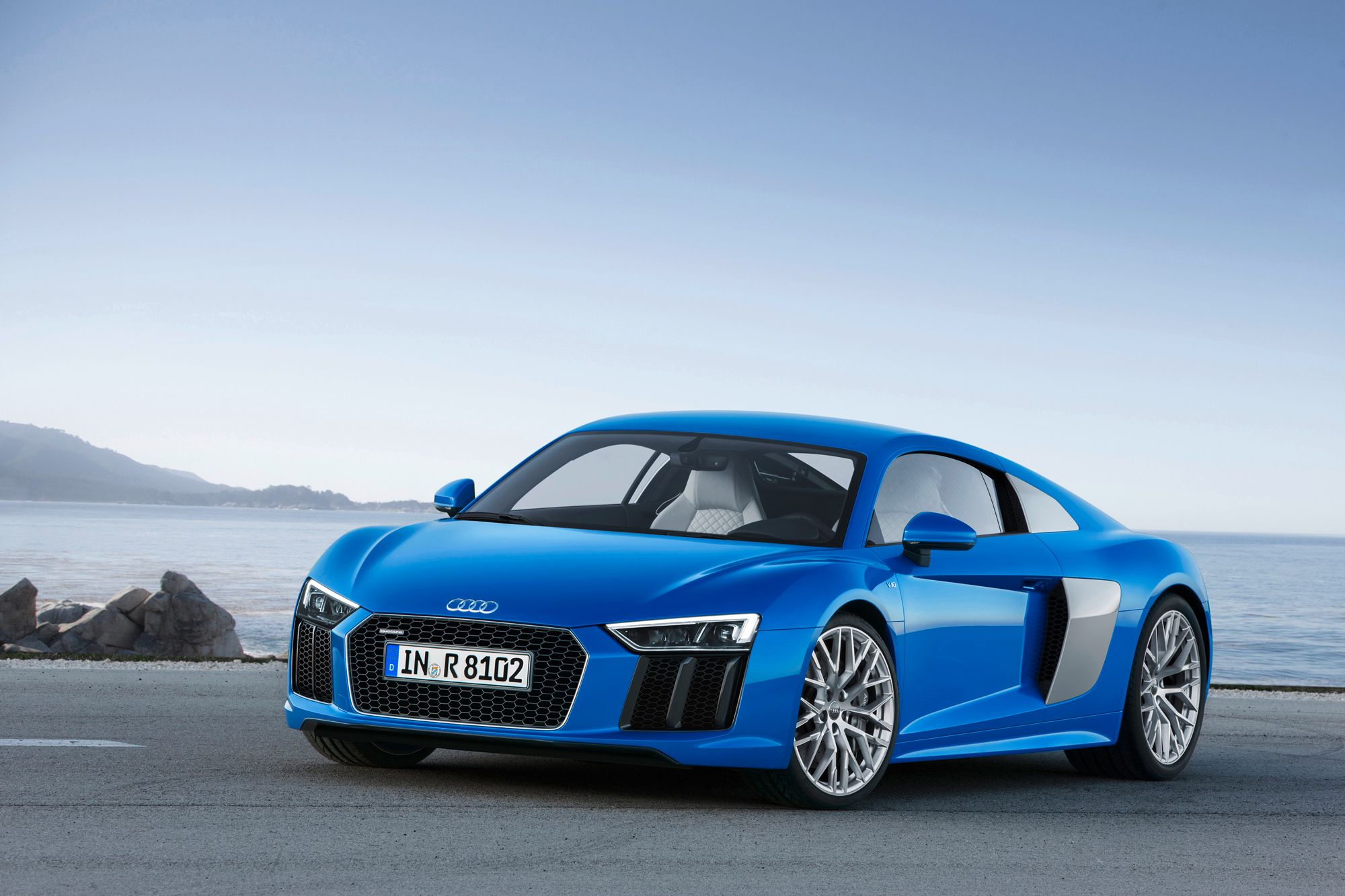 http://static2.therichestimages.com/cdn/1000/666/90/cw/wp-content/uploads/2015/04/2016-Audi-R81.jpg