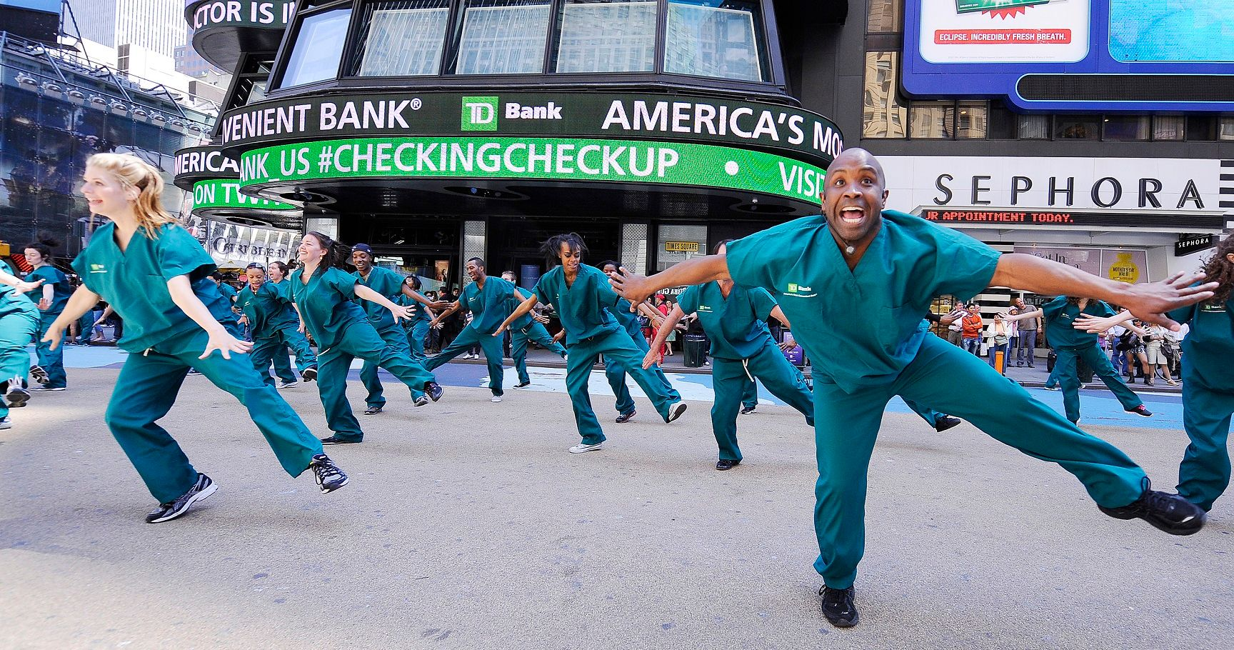 10 Amazing Flash Mob Moments Caught on Video