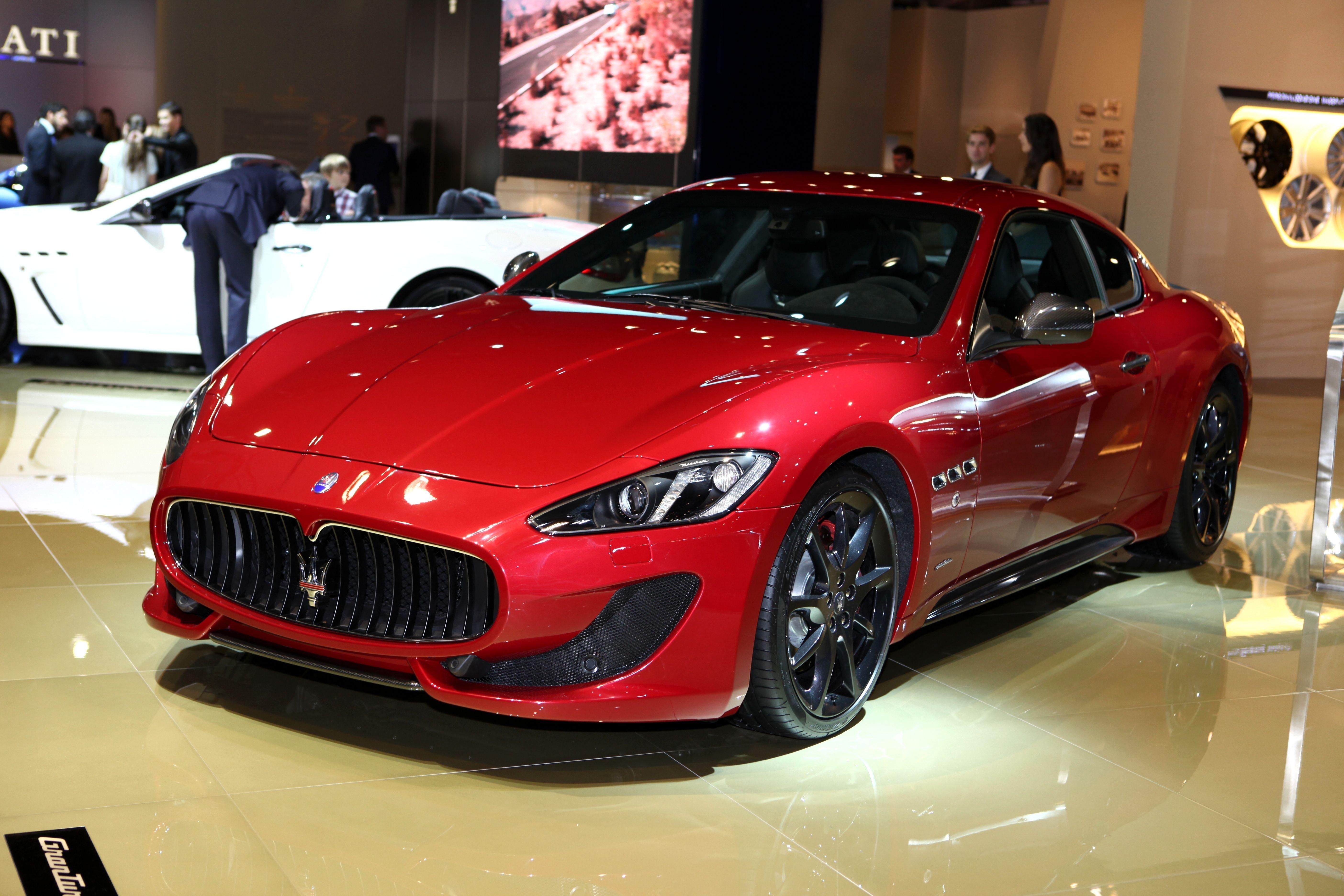 shutterstock_Maserati Gran Turismo