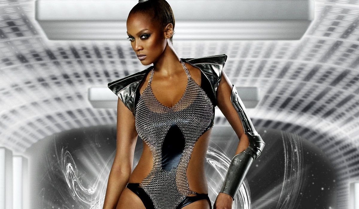 The Top 10 Hottest Tyra Banks Pictures