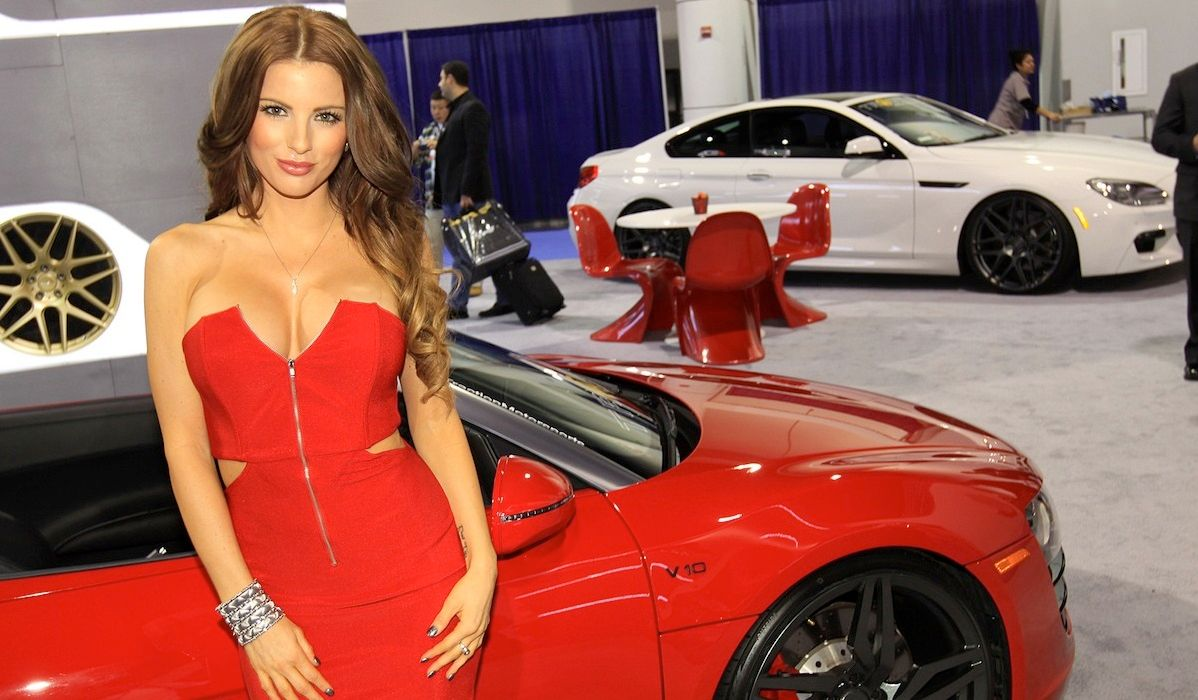 The 10 Sexiest Booth Babes Of This Secret Auto Show