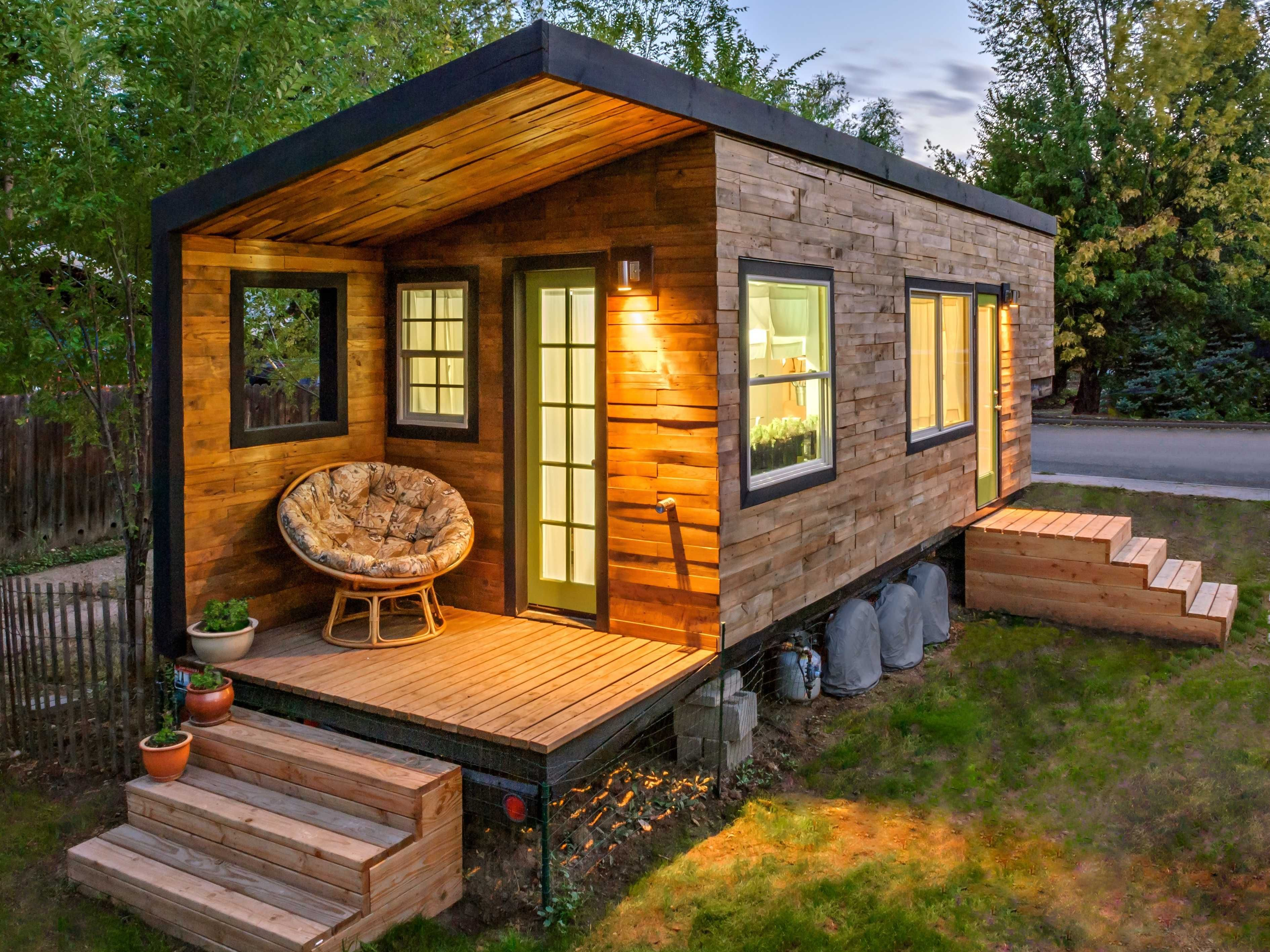 """10 Fascinating Facts About """"Tiny House"""" Living"""