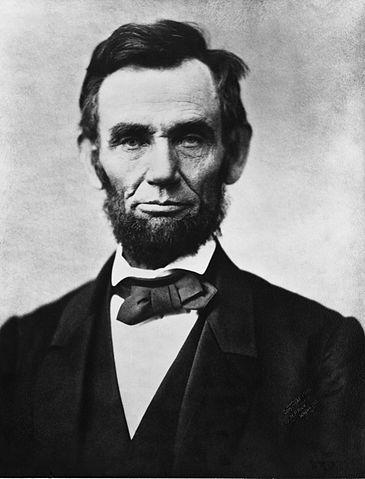 365px-Abraham_Lincoln_head_on_shoulders_photo_portrait