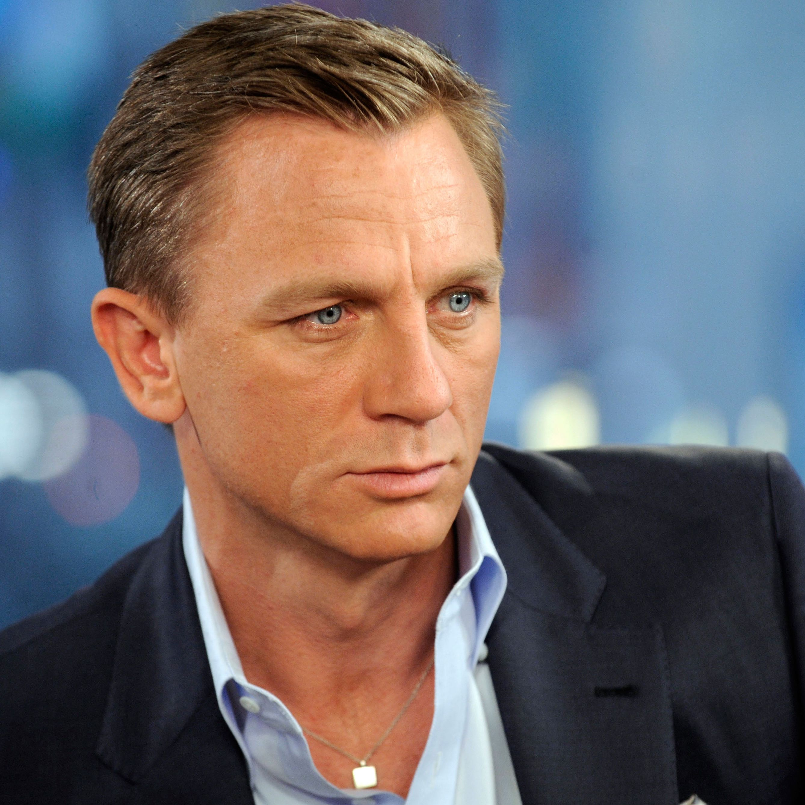 daniel craig how tall