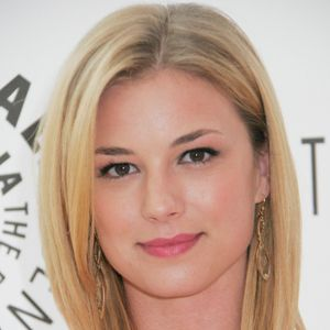 Emily VanCamp Net Worth
